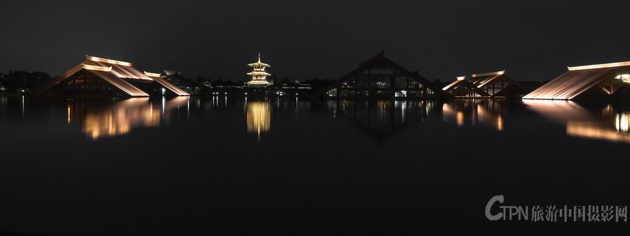 夜幕下的广富林