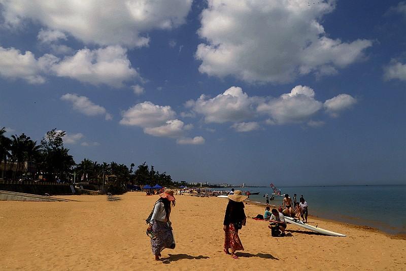 假日海滩(海南海口)