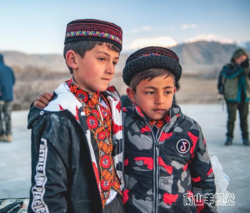 塔吉克族少年